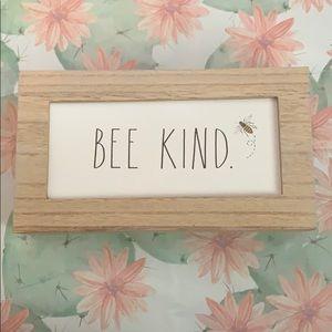 Rae Dunn bee kind sign